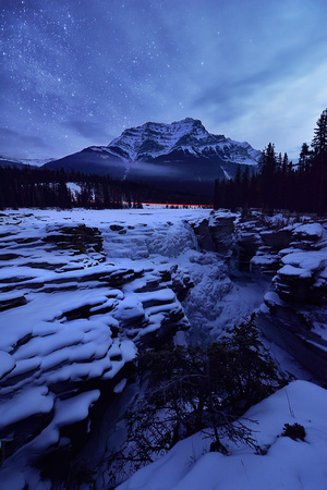 Starring Night at Athabasca Fall